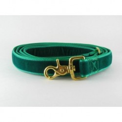 Swiss Velvet Leash in Kelly Green
